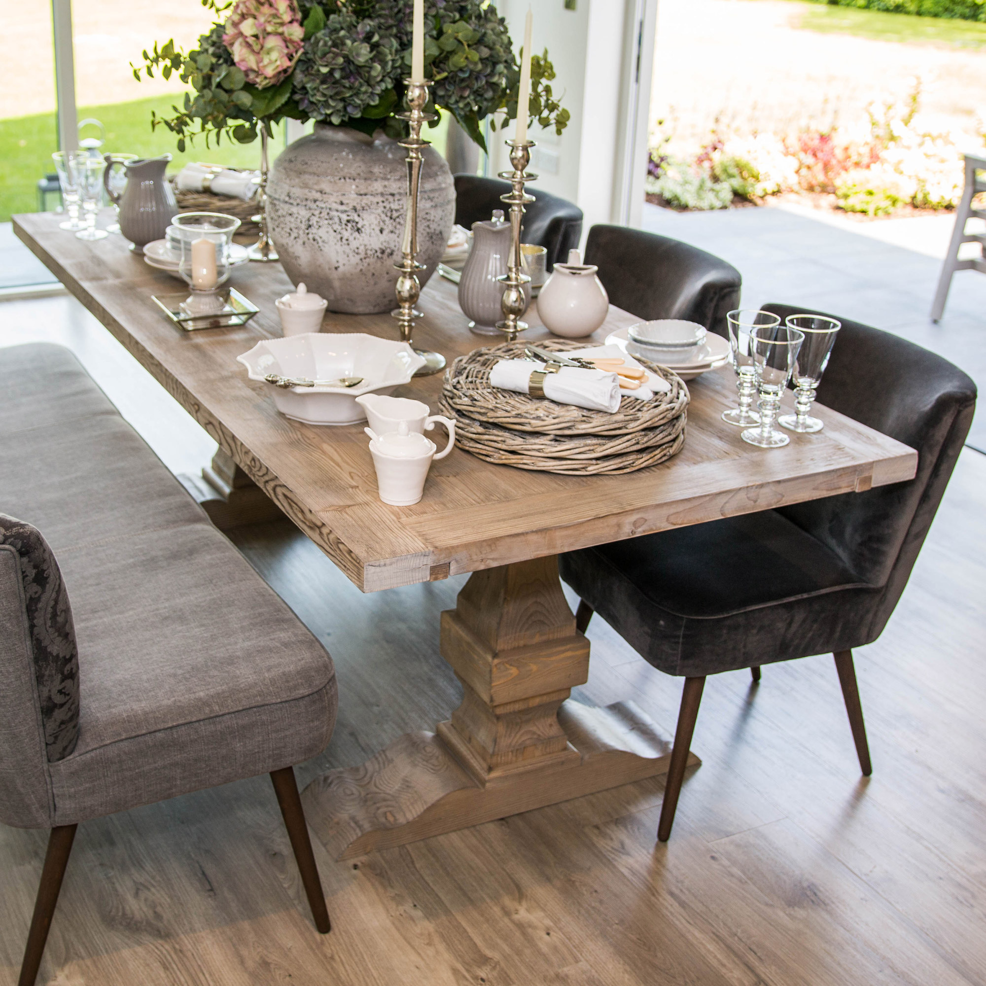 French Jeanne Extending Pedestal Dining Table